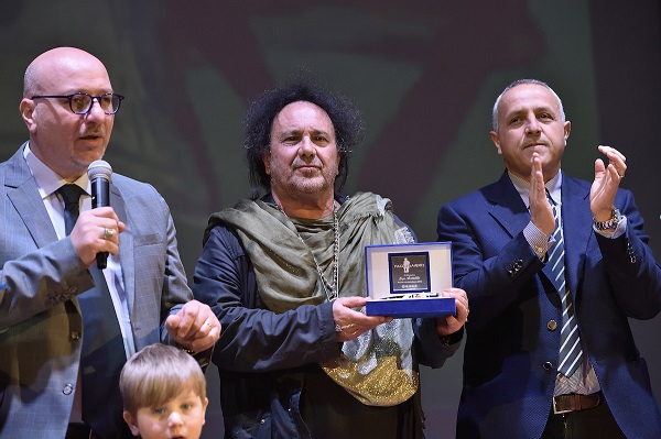 premiazione 2019 4 SI CONCLUDE PULCINELLAMENTE: EMOZIONI E DIVERTIMENTO PER IL GRAN FINALE