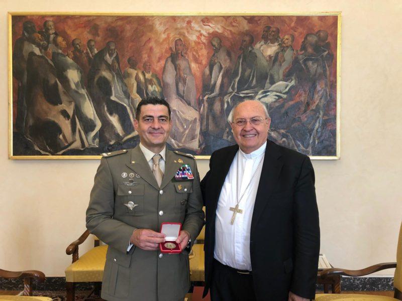 3. Il Gen. Abagnara con il Cardinale Sandri IL PAPA RINGRAZIA LA BRIGATA GARIBALDI