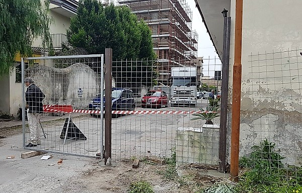%name DISTRAZIONI, INDOLENZA & SEQUESTRI DI FATTO… NELLA CITTÀ DEL FORO