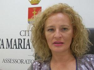 Assessore Rosida Baia 300x223 SANTA MARIA CAPUA VETERE, FONDO PER STRUMENTI DONNE CON ALOPECIA DA CHEMIO