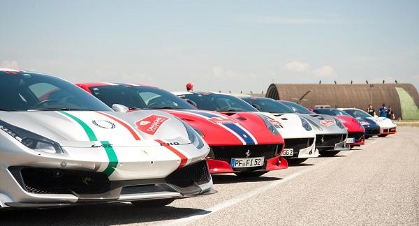 Le Ferrari al 9° Stormo BASE AEREA GRAZZANISE, FERRARI CAVALCADE: 115 MITICHE AUTO AL 9° STORMO