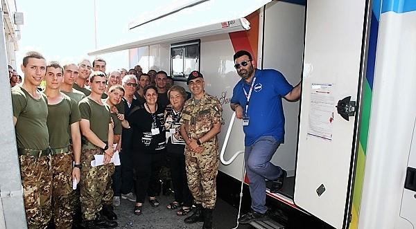 6 Il Col. Zizzari con la Fondazione e i donatori TALASSEMIA: IL 17° RAV DONA 663 SACCHE DI SANGUE