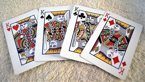 Re Suicida Kings Carte Carta Giocando Cuore Vanga Club CARTE DA GIOCO E LEGGENDE: IL RE DI CUORI…UN RE SUICIDA