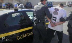 arresto GDF 300x178 RIFIUTI NEL SOTTOSUOLO, ARRESTATO AMMINISTRATORE L.E.A.