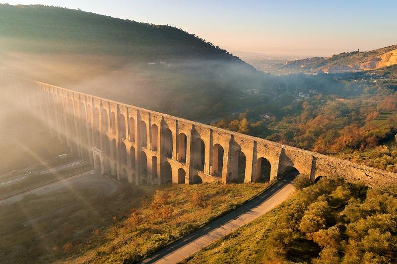 acquedotto carolino gal EMOZIONI E SUGGESTIONI BORBONICHE NEL SITO UNESCO: IL CARTELLONE DEGLI EVENTI ENTRA NEL VIVO ALL'ACQUEDOTTO CAROLINO