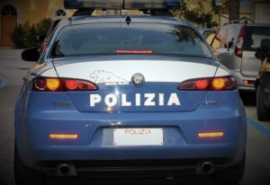 polizia 300x206 ARRESTATA BANDA DEL BUCO CASERTANA, AVEVANO NEL MIRINO UFFICIO POSTALE A SAN MARCELLINO