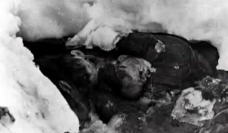 spedizione corpi2 COSA ACCADDE NEL 1959 A NOVE ESCURSIONISTI IN MARCIA VERSO IL MONTE DEI MORTI?