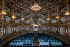 teatro di corte reggia caserta 300x201 LA REGGIA OSPITA VITE SEGRETE   FERDINANDO E CAROLINA