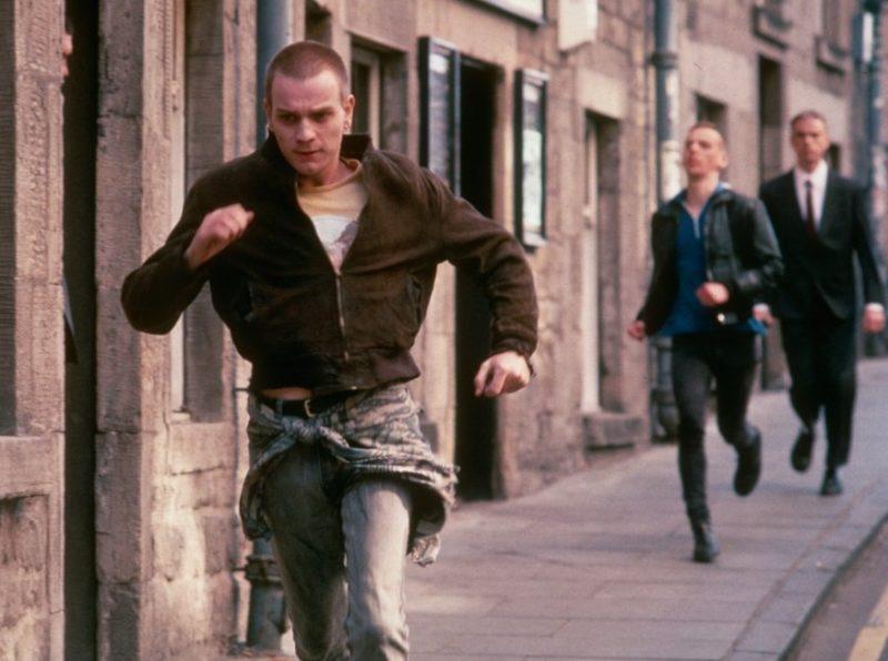 "trainspotting 1996 009 ewan mcgregor running street 00n rsc ""TRAINSPOTTING"" VENT'ANNI DOPO: SCEGLIAMO LA VITA!"