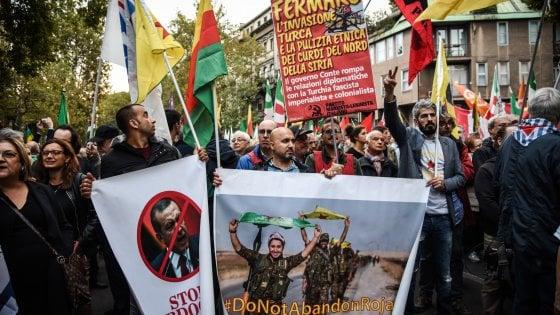 manifestazione popolo curdo SOSPESO LO SPORTELLO PER I DIRITTI: PRESIDIO CENTRO SOCIALE EX CANAPIFICIO E CASERTA CITTÀ VIVA