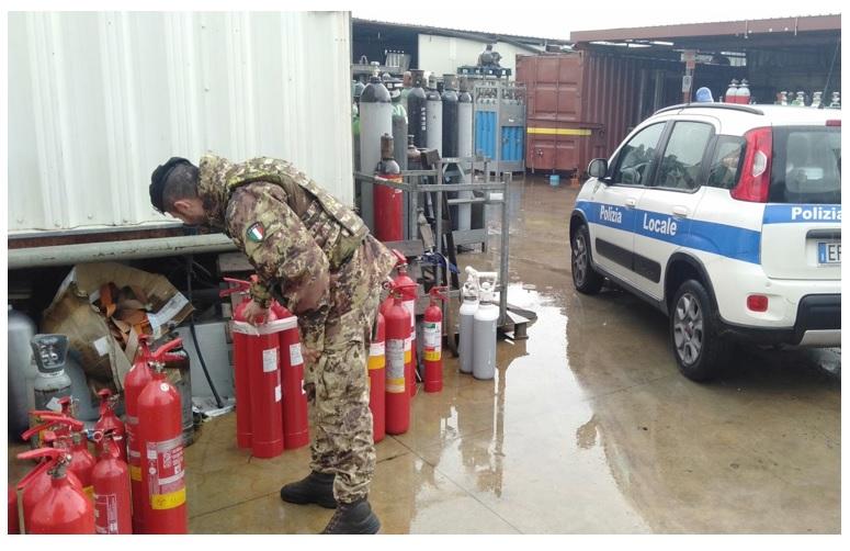 esercito 3 RAPPORTO INCARICATO TERRA DEI FUOCHI: 5 ATTIVITÀ E 3 VEICOLI SEQUESTRATI, 30MILA EURO DI SANZIONI