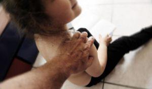 0359A8 abusi su minori 1 300x176 ACCUSATO DI VIOLENZA CARNALE CONTRO DUE FRATELLI MINORENNI, 57ENNE CASERTANO IN CARCERE