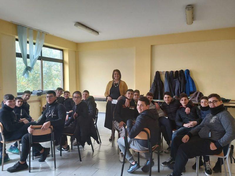 Foto di classe ALZI LA MANO CHI E CONTRO..., SABATO 14 AL GIORDANI IL CONVEGNO SULLA VIOLENZA DI GENERE