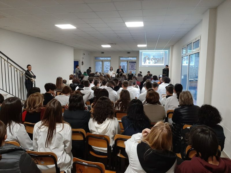 IMG 20191212 WA0032 LICEO GIANNONE FIRMA CONVENZIONE CON LOSPEDALE DI CASERTA