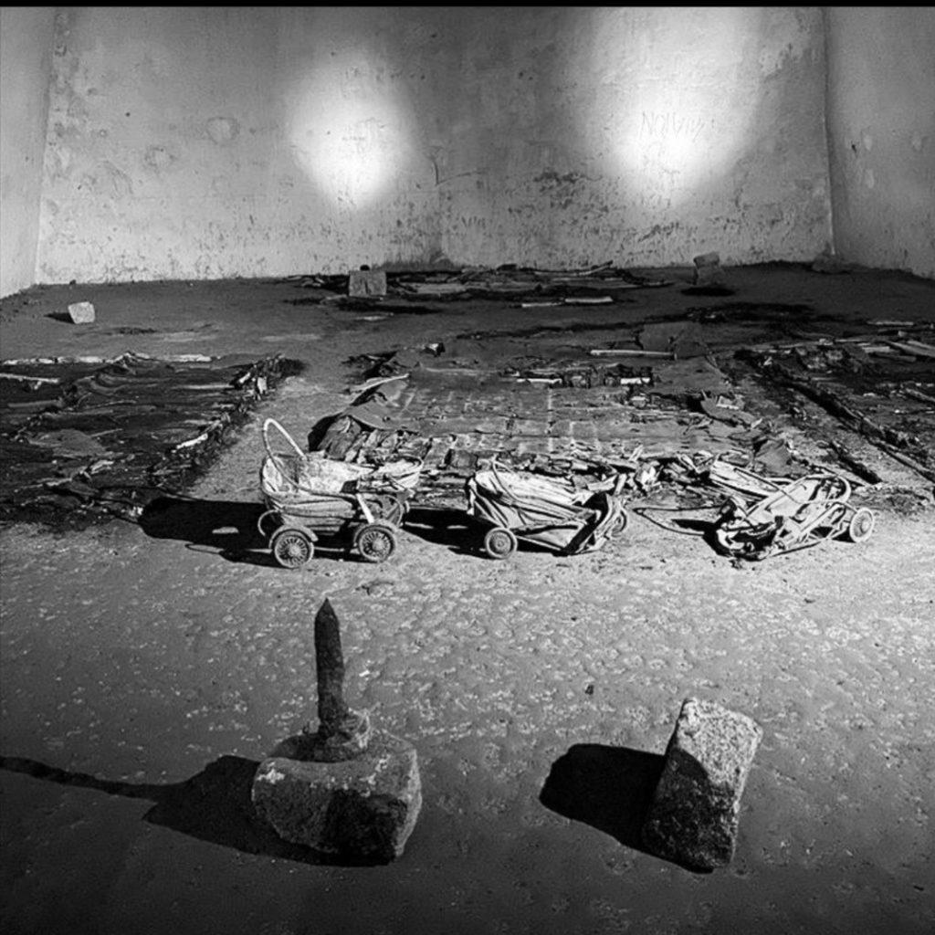 """galleria 1 1024x1024 IL CINEMA AL BUIO NELLA GALLERIA BORBONICA: """"I GIORNI CHE NON DIMENTICHI. LE 4 GIORNATE DI NAPOLI"""""""