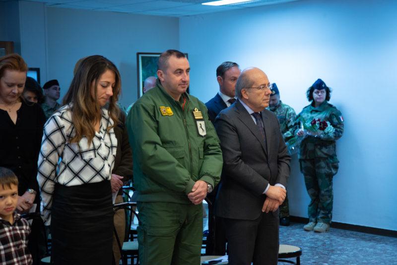 il Comandante del 9 Stormo con il Prefetto di Caserta scaled CAMBIO COMANDO AL 2° BATTAGLIONE NATO   I VIDEO DELLA CERIMONIA
