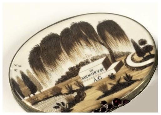 spilla contenente capelli di un parente defunto 1 I GIOIELLI DELL'EPOCA VITTORIANA   Prima puntata