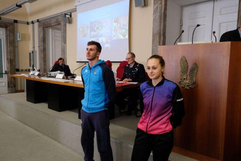 La testimonianza di Maddalena Gaeta e Riccardo Barionovi scaled CASERTA   SANDRO CUOMO, CT DELLA NAZIONALE DI SPADA, AL SEMINARIO DELL'AERONAUTICA MILITARE