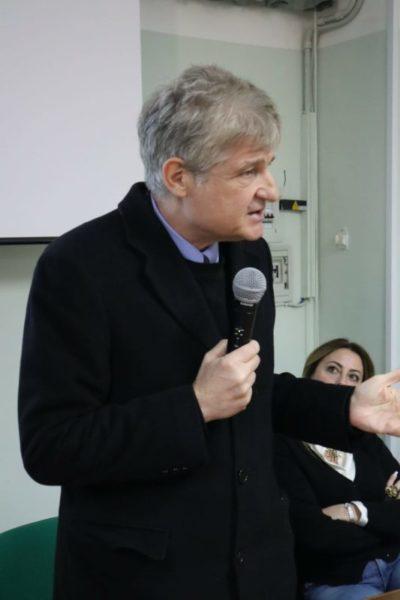 Preside Luigi Suppa scaled INAUGURATO IL POLO DI RICERCA PER GLI ALUNNI DEL DIAZ