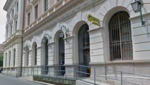 Ufficio Postale via Redentore Caserta 300x171 LAVORI SU UN PALAZZO, CHIUDE AL TRAFFICO VIA REDENTORE IL 21 FEBBRAIO