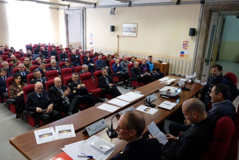 Un momento del seminario scaled CASERTA   SANDRO CUOMO, CT DELLA NAZIONALE DI SPADA, AL SEMINARIO DELL'AERONAUTICA MILITARE