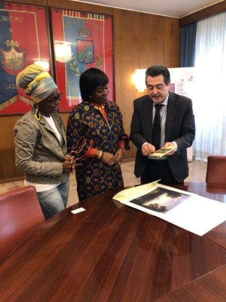 %name LAMBASCIATRICE DEL GHANA RICEVUTA IN COMUNE DA FRANCO DE MICHELE