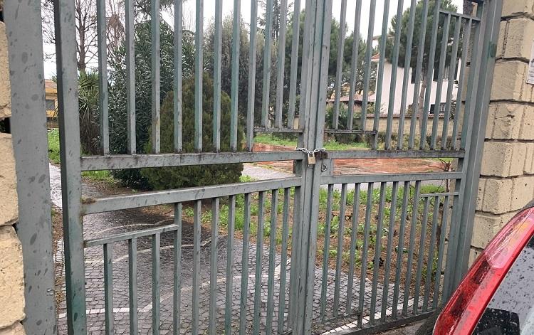 villetta vianapoli SAN PRISCO, VILLA COMUNALE DI VIA NAPOLI CHIUSA: LINTERVENTO DELLASSOCIAZIONE 'PROGETTO TIFATA'