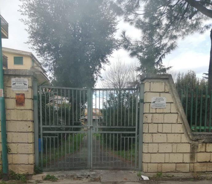 villetta vianapoli5 SAN PRISCO, VILLA COMUNALE DI VIA NAPOLI CHIUSA: LINTERVENTO DELLASSOCIAZIONE 'PROGETTO TIFATA'