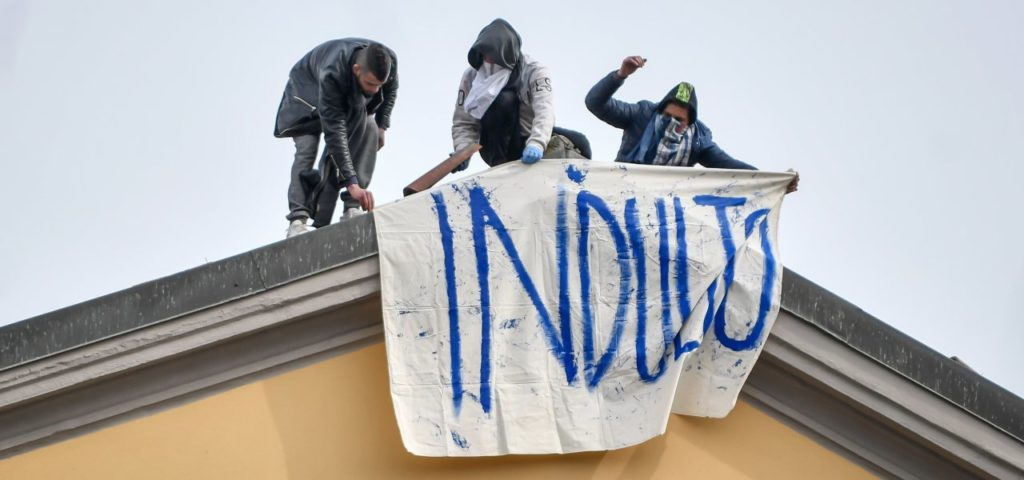 carceri rivolta sanvittore milano indulto detenuti lapresse 2020 1024x480 RIVOLTE NELLE CARCERI DI TUTTA ITALIA: 20 DETENUTI SAREBBERO EVASI DALLISTITUTO FOGGIANO