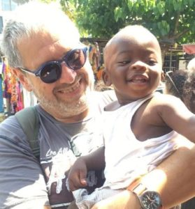 delegato regionale Aviat per la Campania Antonio Carusone in una delle missioni in Togo 279x300 AVIAT DONA 100 UOVA DI PASQUA AL COC DI PONTELATONE PER FAMIGLIE INDIGENTI.