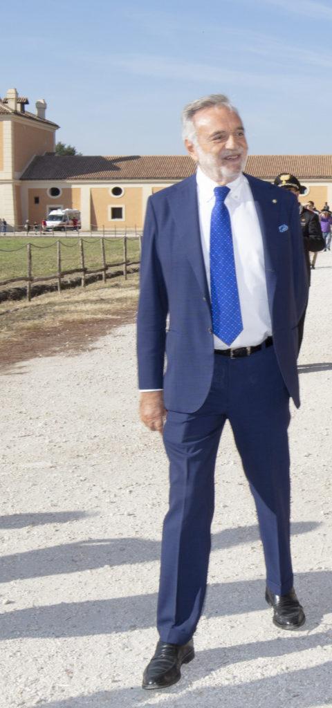 Luigi Nicolais 480x1024 RIAPRE LA REGGIA DI CARDITELLO, BENESSERE NEI BOSCHI E LEZIONI DI YOGA E PILATES