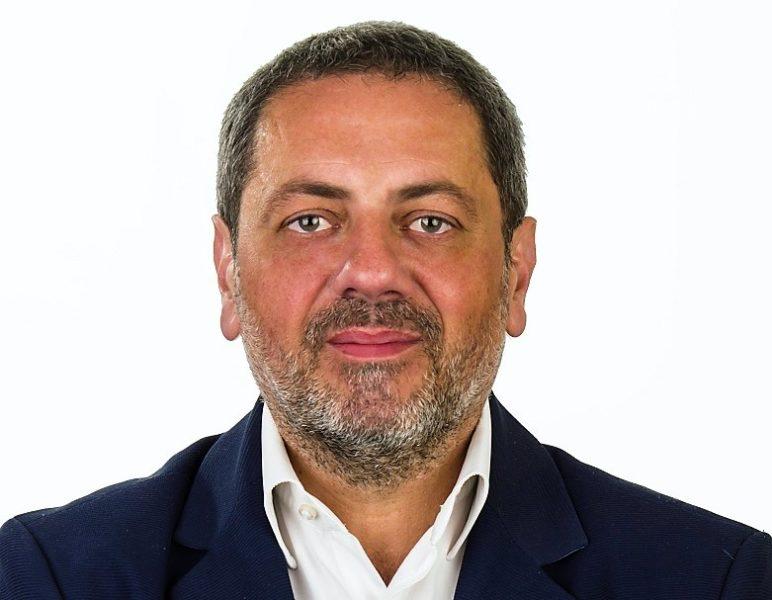 """Roberto Romano foto AVERSA, M5S, ROMANO: IL SINDACO È OSTAGGIO DELLA SUA COALIZIONE. DIMISSIONI UNICA STRADA DIGNITOSA"""""""