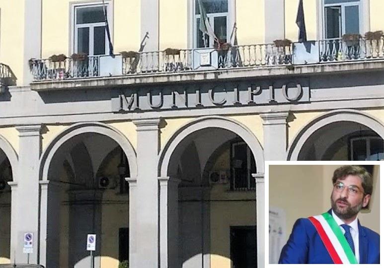 COMUNE AVERSA GOLIA AVERSA, DEBITI COMUNALI: EX CONSIGLIERI FURIOSI UNO SCARICA BARILE VERGOGNOSO