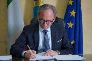 Il sindaco Andrea Pirozzi 1 300x200 SANTA MARIA A VICO, MANUTENZIONE STRAORDINARIA VERDE PUBBLICO: TUTTI I LAVORI