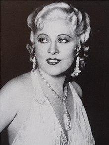 Mae West LAT DALI E UN VOLTO DA ABITARE