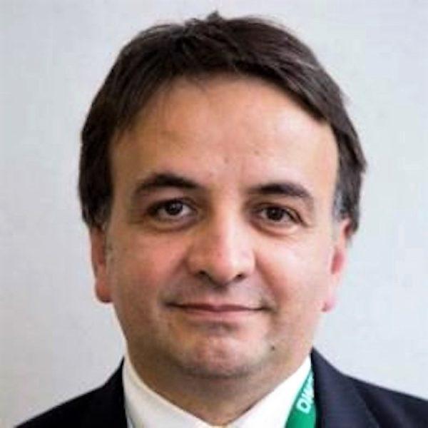 """Prof Giovanni Esposito """"MALATTIA DELLE VETRINE"""", NE SOFFRONO PIÙ DI 3000 CAMPANI: DA NAPOLI IL NETWORK CON 16 OSPEDALI IN RETE"""