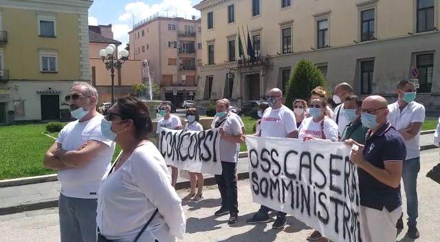 flesh mob interinali CASERTA, INTERINALI: FLASH MOB IN PREFETTURA
