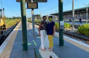 martino sopralluogo stazione aversa 300x196 LUIGIA MARTINO INCONTRA I PENDOLARI: PORTARE  ALTA VELOCITÀ AD AVERSA