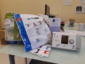 parte dei dispositivi donaati 300x225 MACCHINARI PER COMBATTERE  APNEA DEL SONNO DONATI ALLA NEUROMED DI POZZILLI