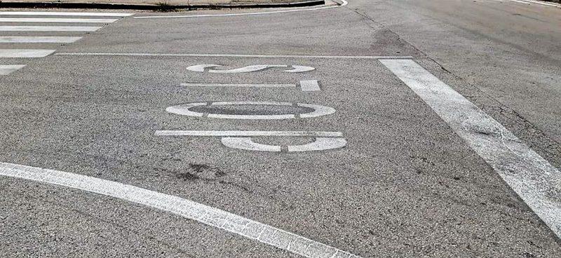 strisce2 scaled SCOPPIA SUL WEB IL CASO DELLE STRISCE PEDONALI FANTASMA A CASERTA