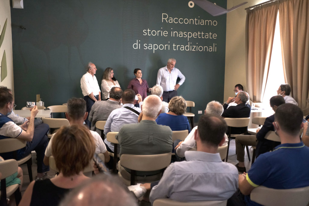 DSCF4670 1024x683 ITALIA VIVA CASERTA, ROSATO E CAPUTO PRESENTANO I CANDIDATI