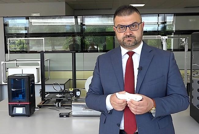 Fabio Sebastiano NEUROMED, ELETTRODI INNOVATIVI PER COLLEGARE IL CERVELLO AL COMPUTER
