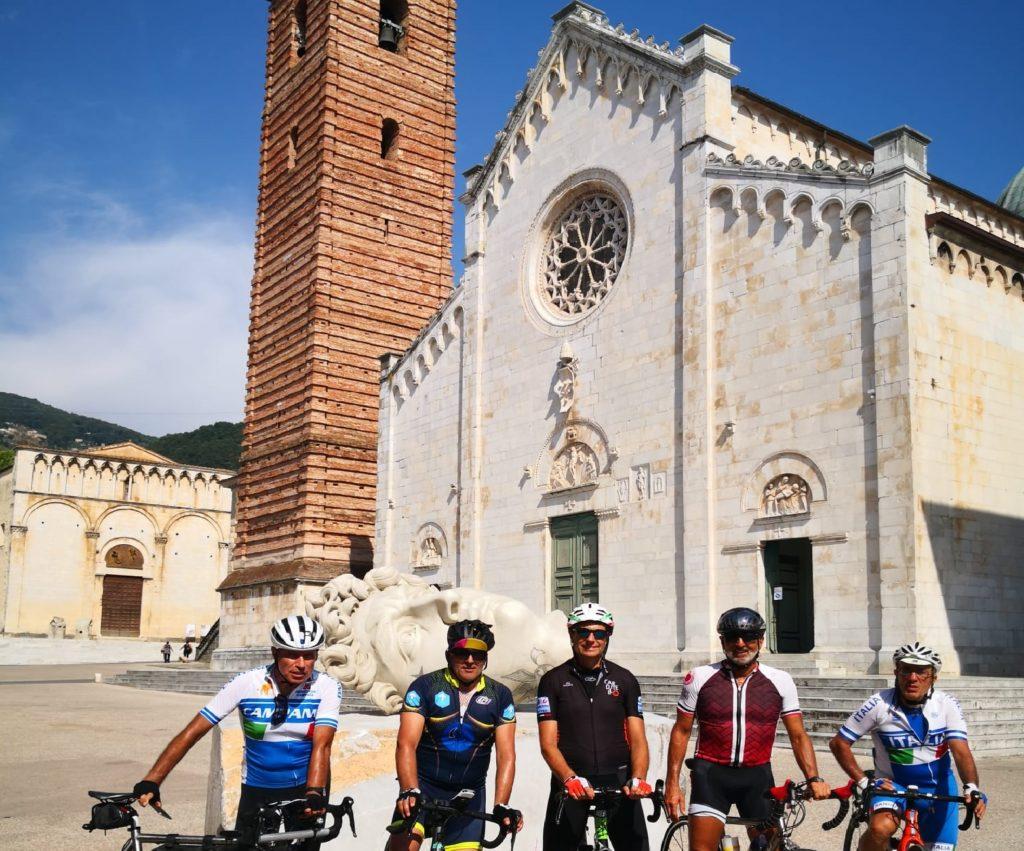 Team 2 1024x851 IN BICI DA TORINO A CASERTA PER PROMUOVERE LA REGGIA DI CARDITELLO