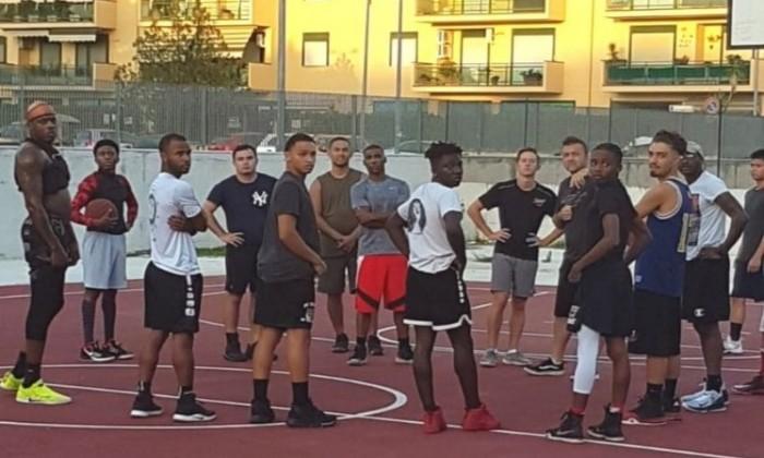 US Navy Basket Team CASERTA, IL BASKET AMATORIALE TARGATO USA, ARRIVA IN PERIFERIA AL PARCO DEGLI ARANCI