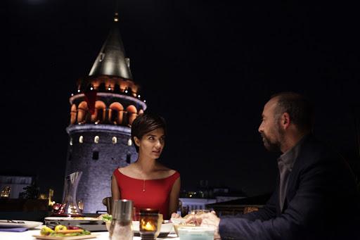 """unnamed 3 """"ROSSO ISTANBUL"""": UN VIAGGIO ATTRAVERSO I RICORDI"""