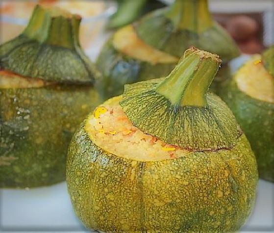 zucchine cous cous ZUCCHINE RIPIENE DI COUS COUS