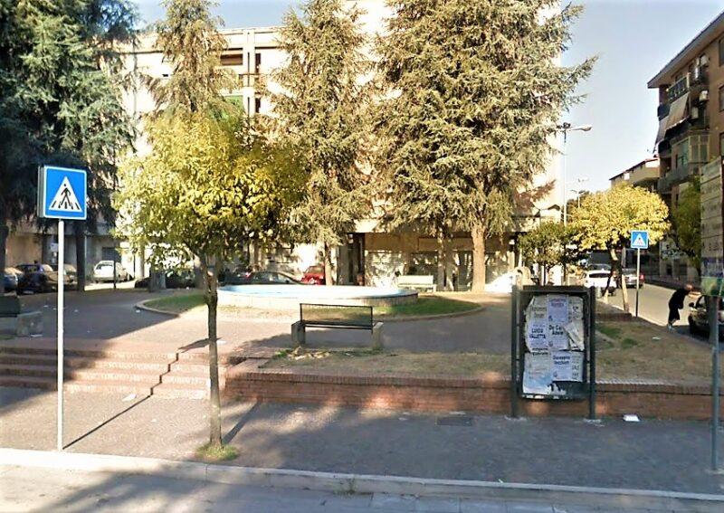 CASAGIOVE Piazza Vanvitelli scaled CASAGIOVE, EMERGENZA COVID: DIVIETO DI STAZIONAMENTO IN PIAZZE E VILLETTE DEL CENTRO URBANO