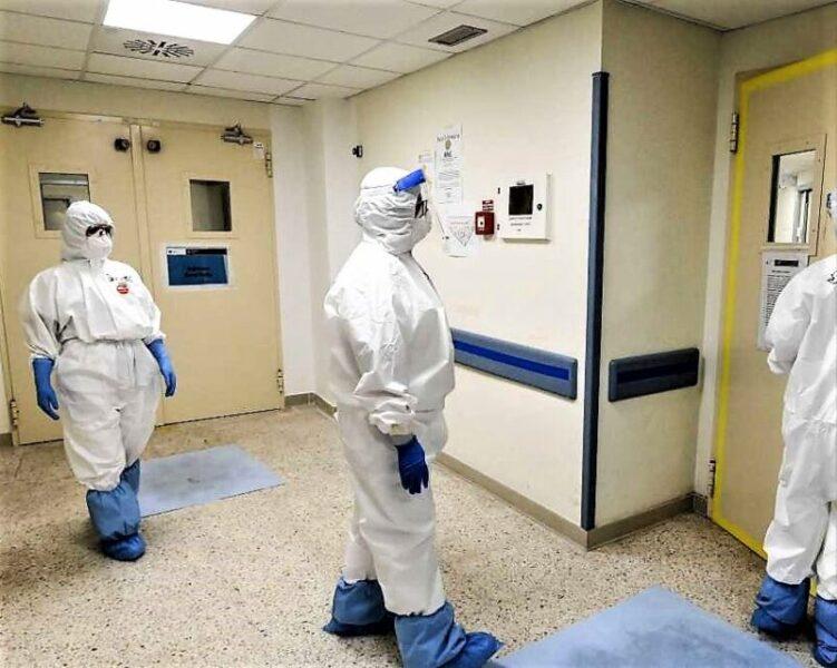 covid tute infermieri scaled CORONAVIRUS, DE PALMA(NURSING UP): GRAVE CASO DEGLI INFERMIERI AL SAN FRANCESCO DI NUORO, COSTRETTI CON IL PANNOLONE