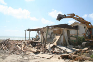 demolizione opere abusive 300x200 DEMOLITA VILLETTA ABUSIVA A CELLOLE