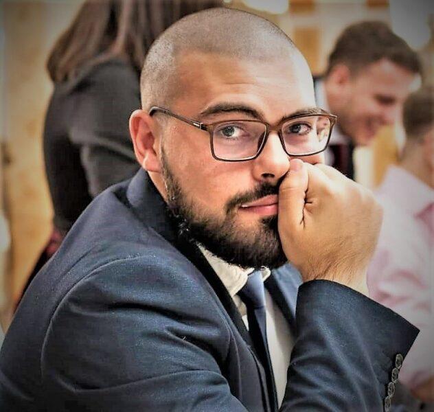 Diego Della Vecchia I GIOVANI E LIMPEGNO POLITICO: DIEGO DELLA VECCHIA E GIANMICHELE CASTELLO
